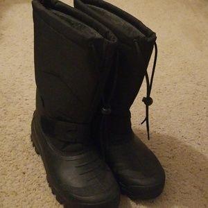 NWOT Mens' Tundra boots